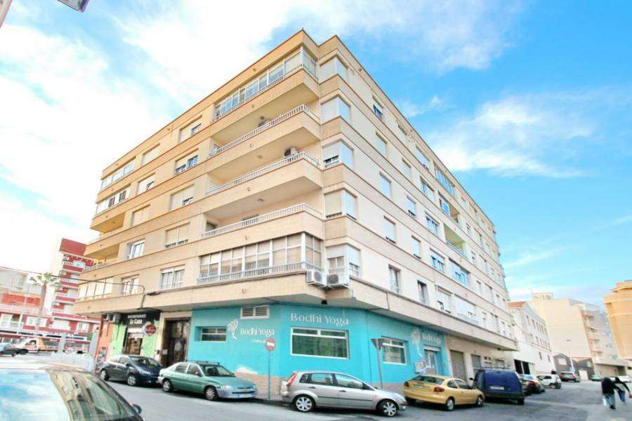 Torrevieja,Alicante,España,4 Bedrooms Bedrooms,1 BañoBathrooms,Apartamentos,34937