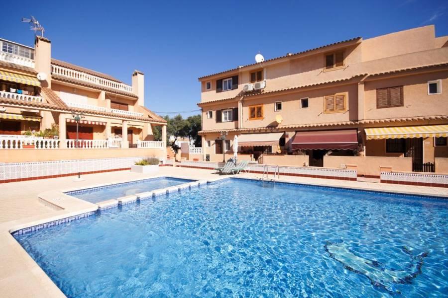 Torrevieja,Alicante,España,4 Bedrooms Bedrooms,2 BathroomsBathrooms,Adosada,34955