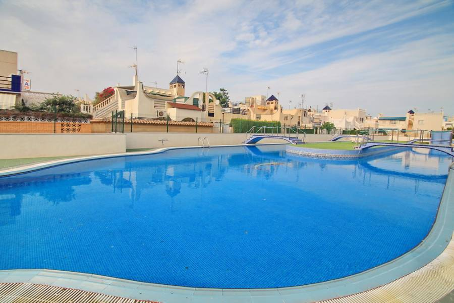 Torrevieja,Alicante,España,2 Bedrooms Bedrooms,1 BañoBathrooms,Bungalow,34976