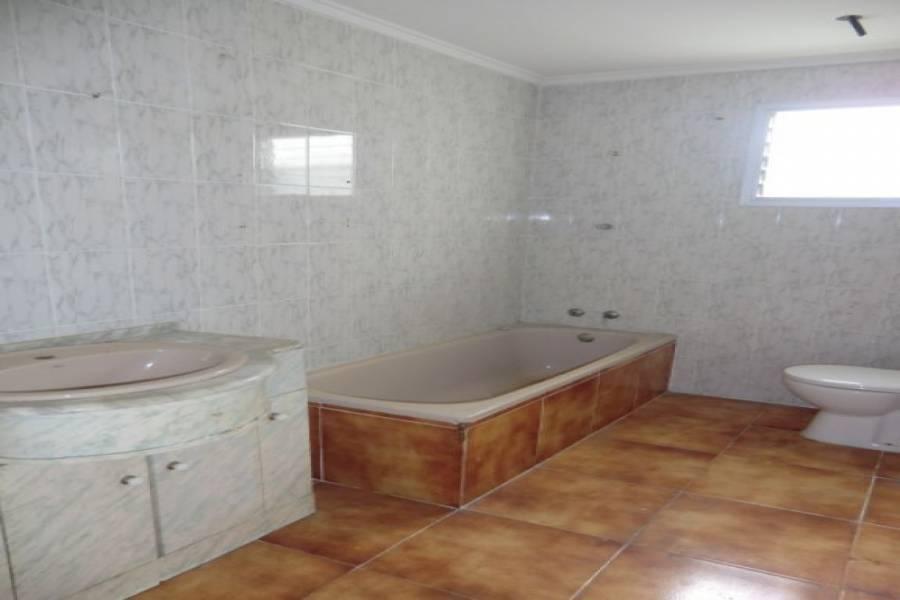 Valencia,Valencia,España,3 Bedrooms Bedrooms,1 BañoBathrooms,Apartamentos,4204