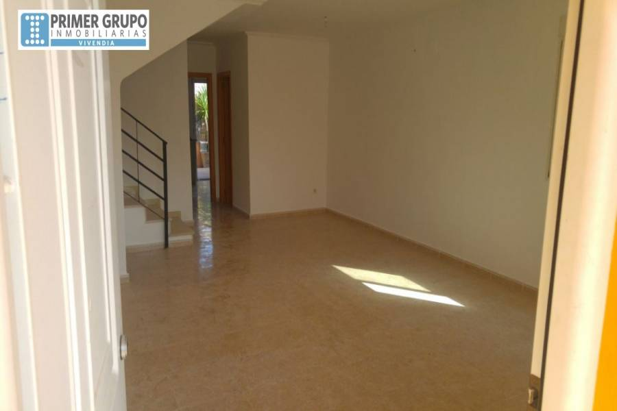La Pobla de Vallbona,Valencia,España,3 Bedrooms Bedrooms,2 BathroomsBathrooms,Semipisos,4238