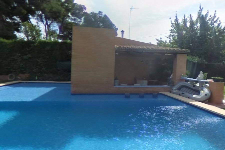 Paterna,Valencia,España,4 Bedrooms Bedrooms,4 BathroomsBathrooms,Fincas-Villas,4239