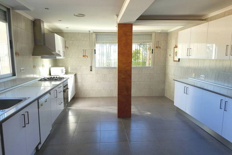 Paterna,Valencia,España,4 Bedrooms Bedrooms,3 BathroomsBathrooms,Fincas-Villas,4302
