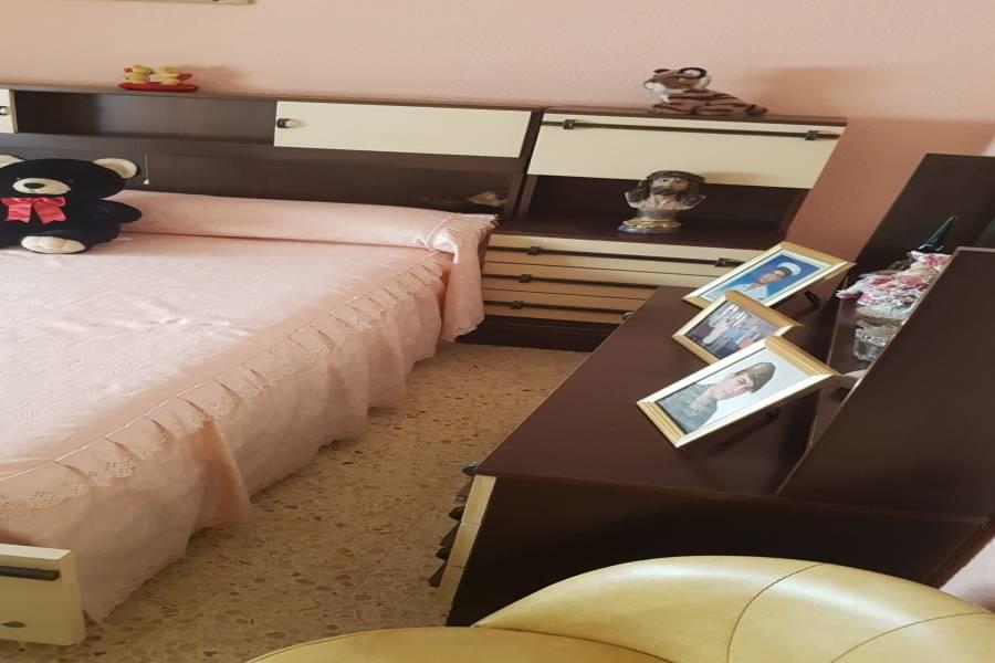 Paterna,Valencia,España,4 Bedrooms Bedrooms,1 BañoBathrooms,Apartamentos,4327