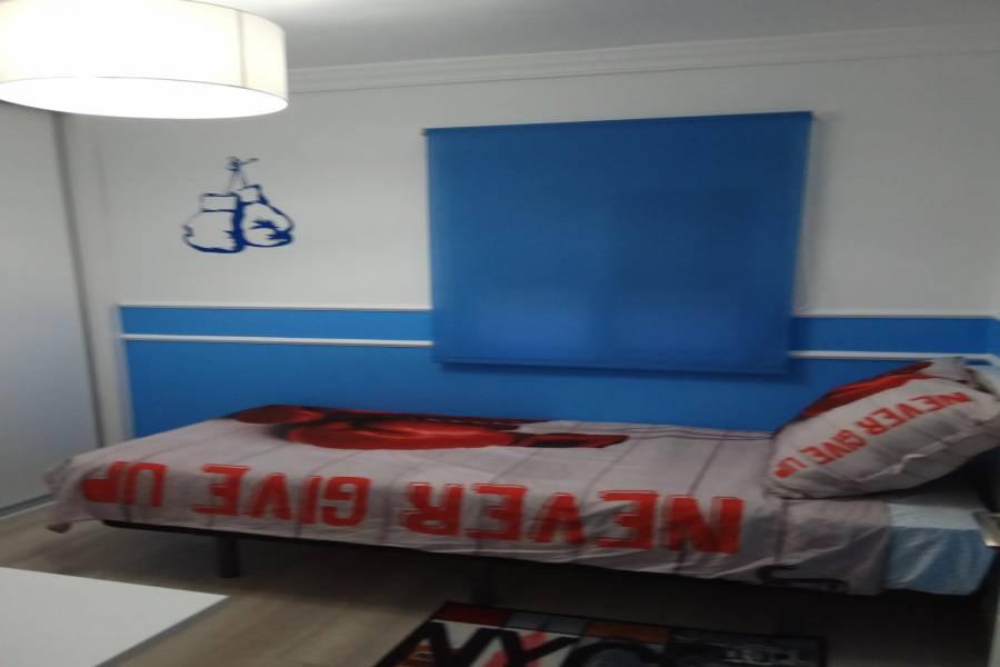 Valencia,Valencia,España,3 Bedrooms Bedrooms,1 BañoBathrooms,Apartamentos,4328