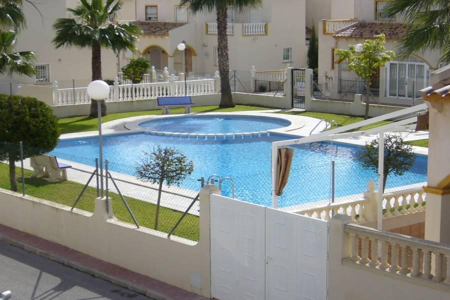 Orihuela Costa,Alicante,España,3 Bedrooms Bedrooms,2 BathroomsBathrooms,Adosada,39108