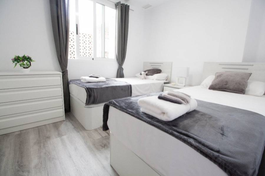 Torrevieja,Alicante,España,2 Bedrooms Bedrooms,2 BathroomsBathrooms,Apartamentos,39167