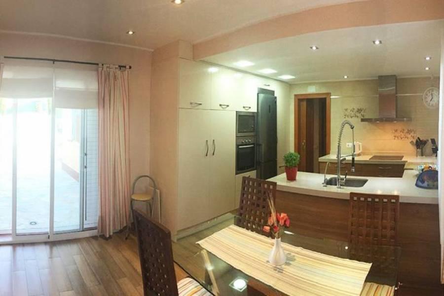 Gran alacant,Alicante,España,3 Bedrooms Bedrooms,2 BathroomsBathrooms,Chalets,39324
