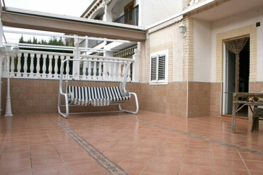 Gran alacant,Alicante,España,3 Bedrooms Bedrooms,2 BathroomsBathrooms,Bungalow,39413