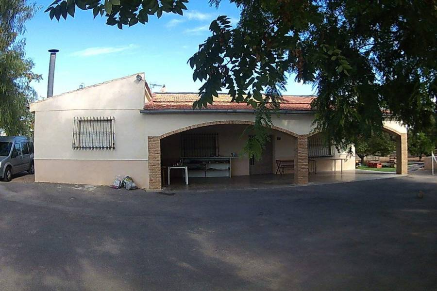 Elche,Alicante,España,3 Bedrooms Bedrooms,1 BañoBathrooms,Chalets,39479