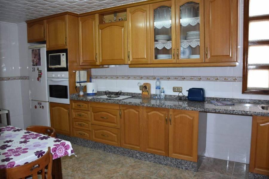Elche,Alicante,España,4 Bedrooms Bedrooms,2 BathroomsBathrooms,Apartamentos,39554
