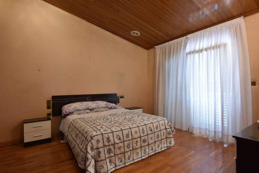 Elche,Alicante,España,5 Bedrooms Bedrooms,2 BathroomsBathrooms,Chalets,39577