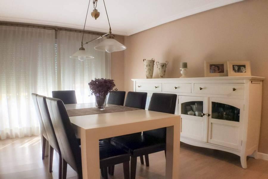 Alicante,Alicante,España,3 Bedrooms Bedrooms,2 BathroomsBathrooms,Apartamentos,39591