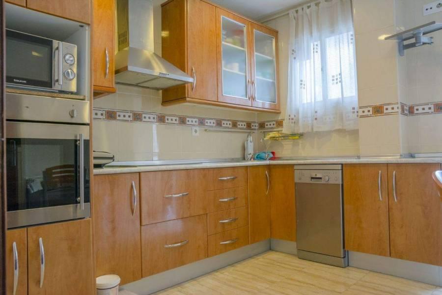 Alicante,Alicante,España,5 Bedrooms Bedrooms,1 BañoBathrooms,Apartamentos,39634
