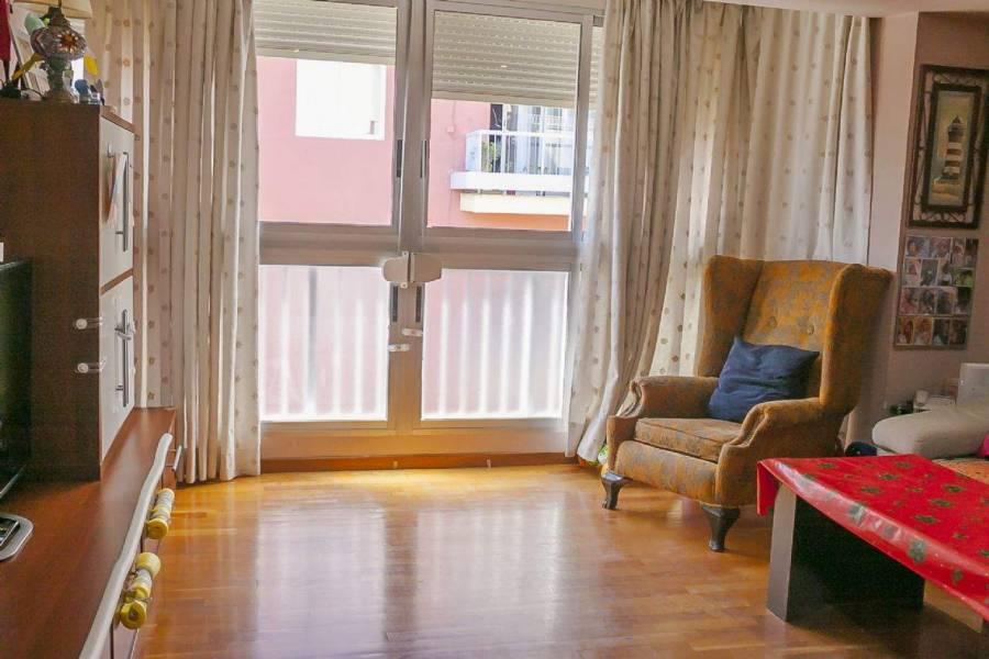 Alicante,Alicante,España,4 Bedrooms Bedrooms,2 BathroomsBathrooms,Apartamentos,39644