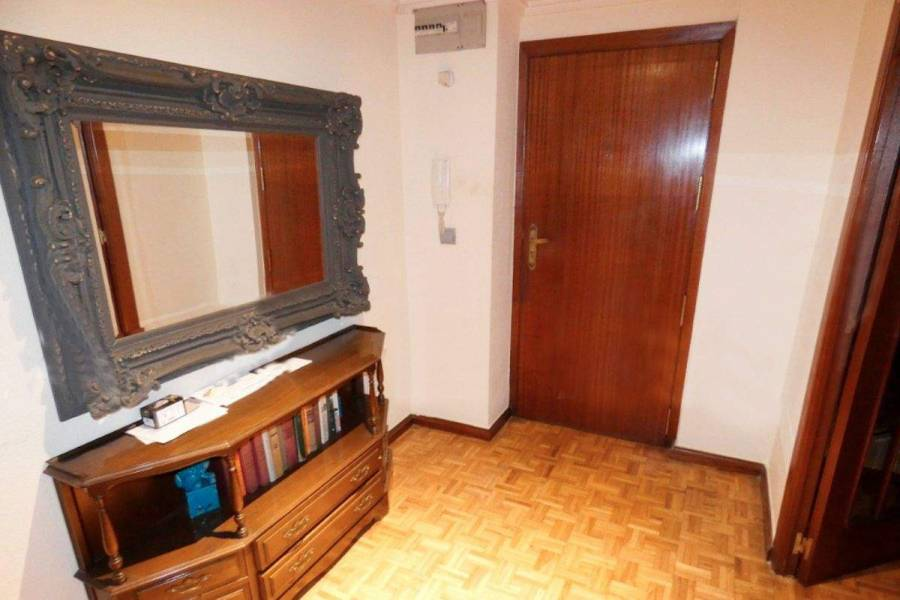 Alicante,Alicante,España,4 Bedrooms Bedrooms,2 BathroomsBathrooms,Apartamentos,39645
