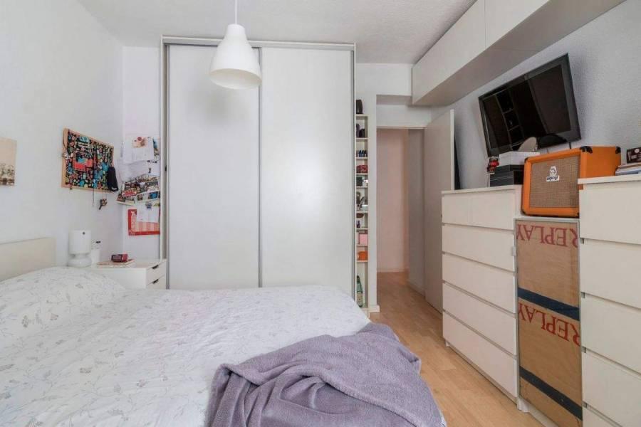 Alicante,Alicante,España,2 Bedrooms Bedrooms,1 BañoBathrooms,Apartamentos,39674