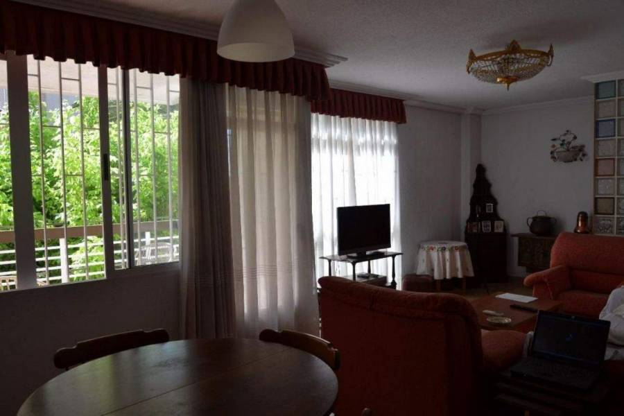 Alicante,Alicante,España,3 Bedrooms Bedrooms,2 BathroomsBathrooms,Apartamentos,39682
