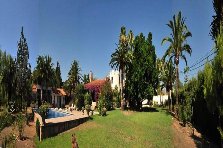 Alfaz del Pi,Alicante,España,5 Bedrooms Bedrooms,3 BathroomsBathrooms,Chalets,39777