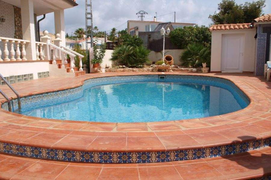La Nucia,Alicante,España,5 Bedrooms Bedrooms,2 BathroomsBathrooms,Chalets,39795