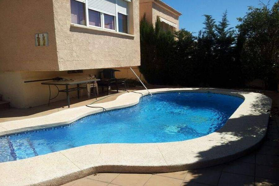La Nucia,Alicante,España,4 Bedrooms Bedrooms,2 BathroomsBathrooms,Chalets,39821