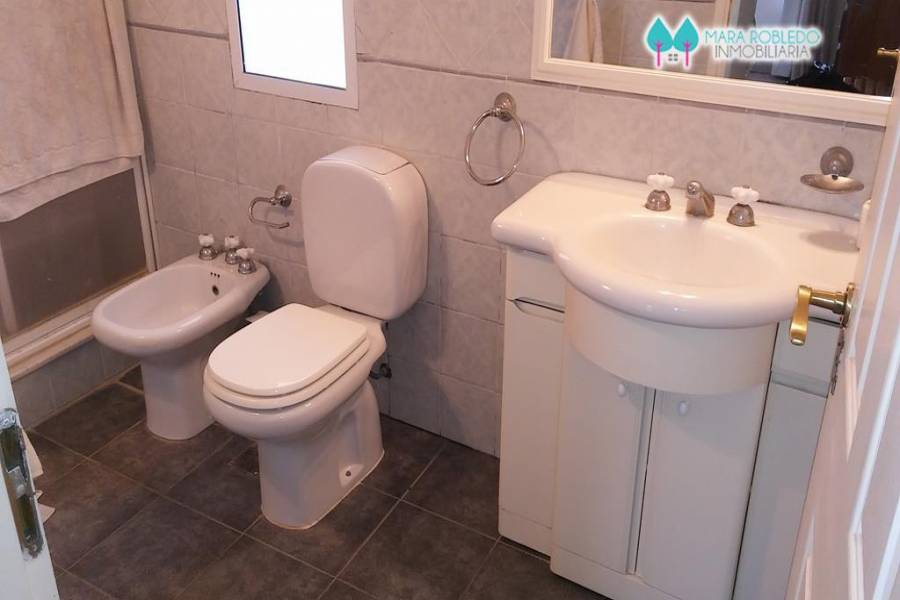 Pinamar,Buenos Aires,Argentina,2 Bedrooms Bedrooms,2 BathroomsBathrooms,Casas,BUEN ORDEN,4429
