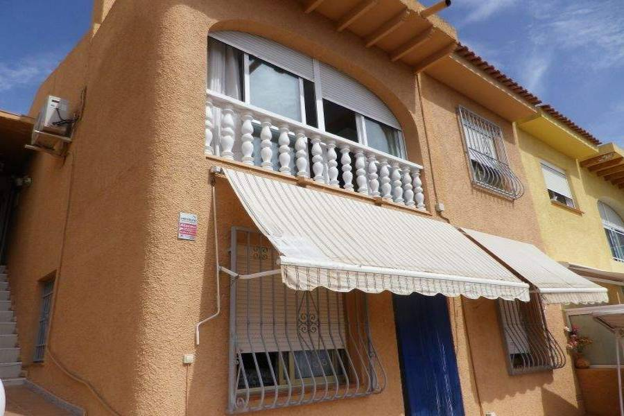 La Nucia,Alicante,España,5 Bedrooms Bedrooms,2 BathroomsBathrooms,Casas,39844