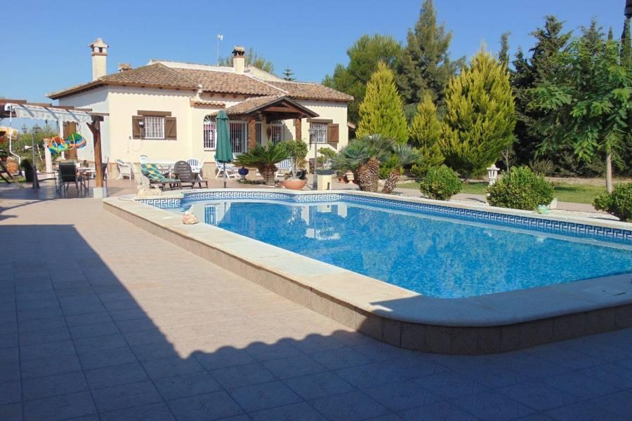 Daya Vieja,Alicante,España,5 Bedrooms Bedrooms,3 BathroomsBathrooms,Chalets,39851