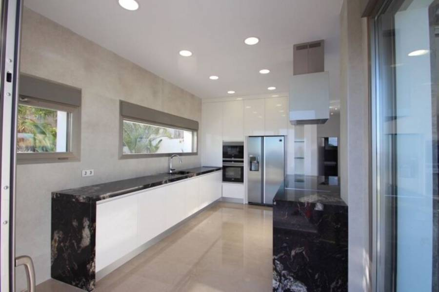Villajoyosa,Alicante,España,4 Bedrooms Bedrooms,4 BathroomsBathrooms,Chalets,39856