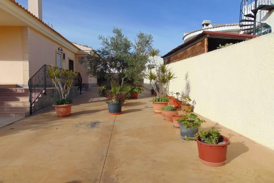 Ciudad Quesada,Alicante,España,3 Bedrooms Bedrooms,3 BathroomsBathrooms,Chalets,39864
