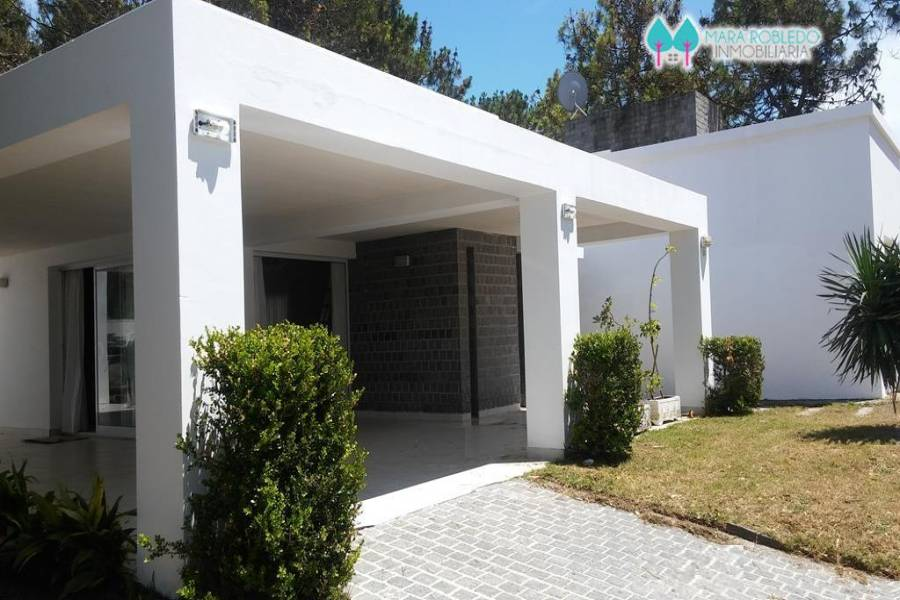 Pinamar,Buenos Aires,Argentina,4 Bedrooms Bedrooms,4 BathroomsBathrooms,Casas,CIRCE,4432