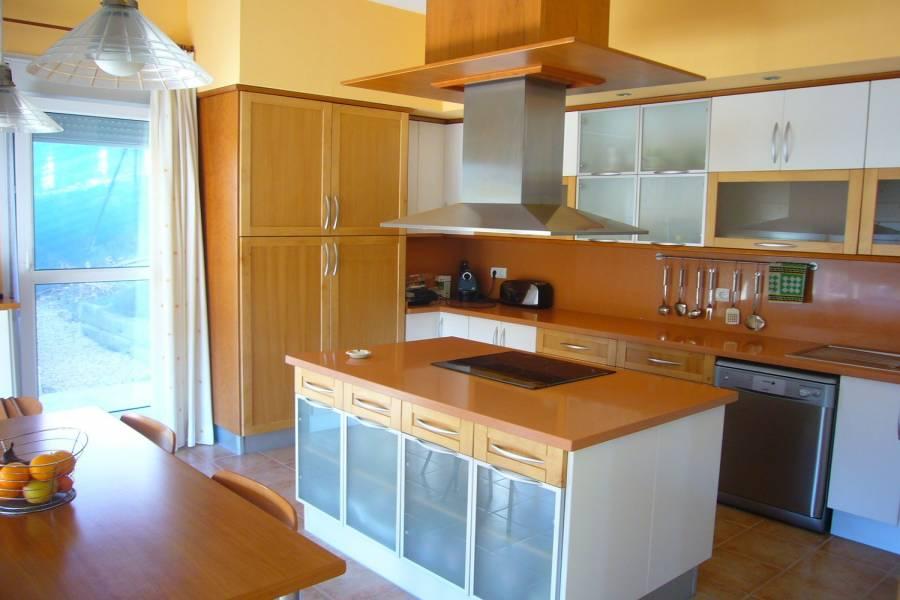 Alicante,Alicante,España,5 Bedrooms Bedrooms,5 BathroomsBathrooms,Chalets,39880