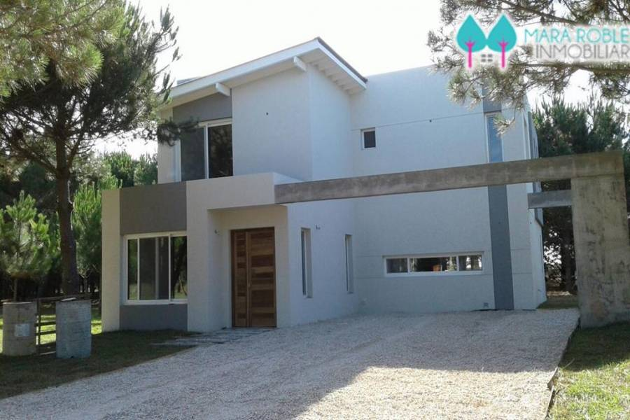 Pinamar,Buenos Aires,Argentina,5 Bedrooms Bedrooms,4 BathroomsBathrooms,Casas,DE LA CINCHA,4435