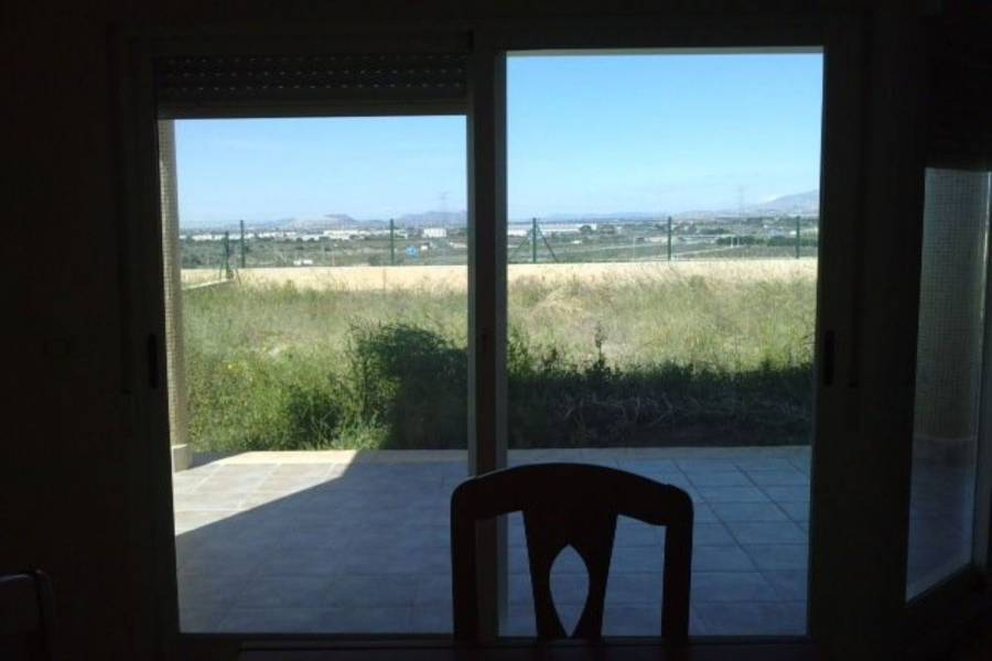 Mutxamel,Alicante,España,3 Bedrooms Bedrooms,2 BathroomsBathrooms,Chalets,39915