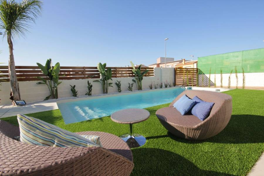 Benijófar,Alicante,España,3 Bedrooms Bedrooms,2 BathroomsBathrooms,Chalets,39918