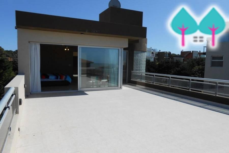 Pinamar,Buenos Aires,Argentina,3 Bedrooms Bedrooms,6 BathroomsBathrooms,Casas,DE LAS BURRIQUETAS,4437