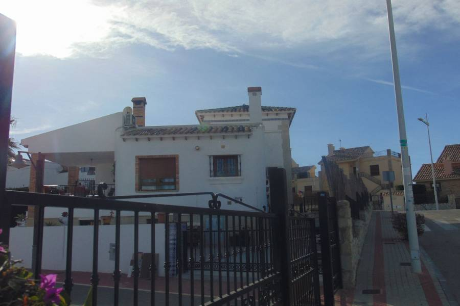 Algorfa,Alicante,España,5 Bedrooms Bedrooms,4 BathroomsBathrooms,Chalets,39925