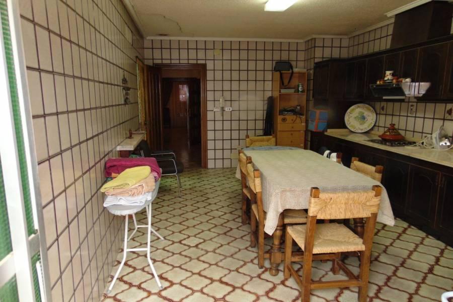 Los Montesinos,Alicante,España,4 Bedrooms Bedrooms,2 BathroomsBathrooms,Adosada,39926