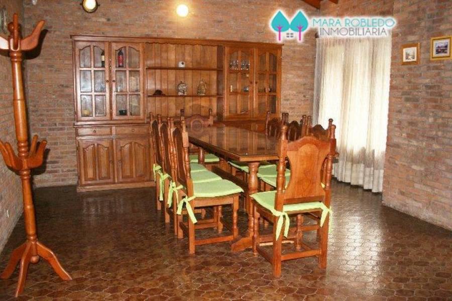 Pinamar,Buenos Aires,Argentina,3 Bedrooms Bedrooms,4 BathroomsBathrooms,Casas,DE LAS ONDINAS,4438