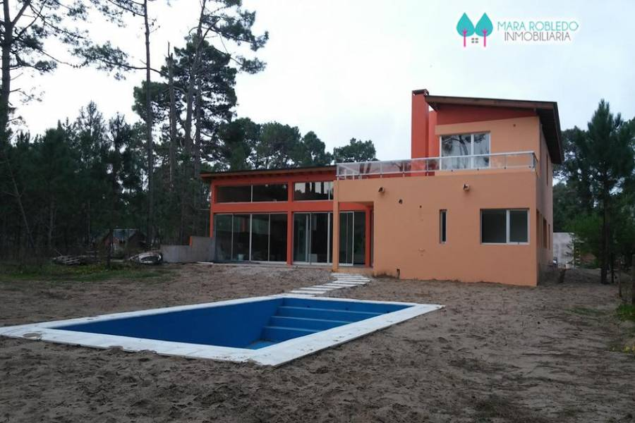 Pinamar,Buenos Aires,Argentina,4 Bedrooms Bedrooms,4 BathroomsBathrooms,Casas,DEL ESPARTILLO,4440