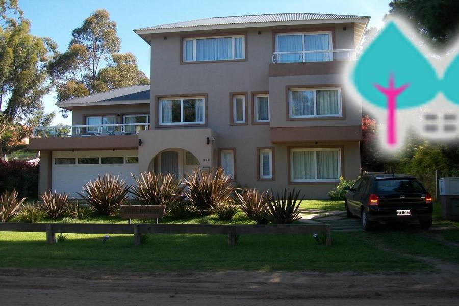 Pinamar,Buenos Aires,Argentina,4 Bedrooms Bedrooms,6 BathroomsBathrooms,Casas,DEL ESPARTILLO,4441