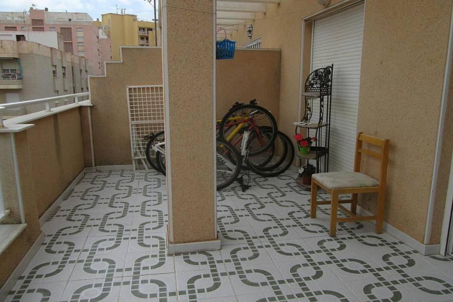 Torrevieja, Alicante, España, 2 Bedrooms Bedrooms, ,2 BathroomsBathrooms,Atico,Venta,39992