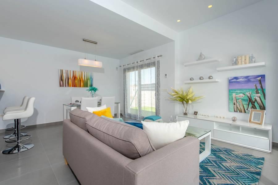 Rojales,Alicante,España,3 Bedrooms Bedrooms,2 BathroomsBathrooms,Chalets,40030