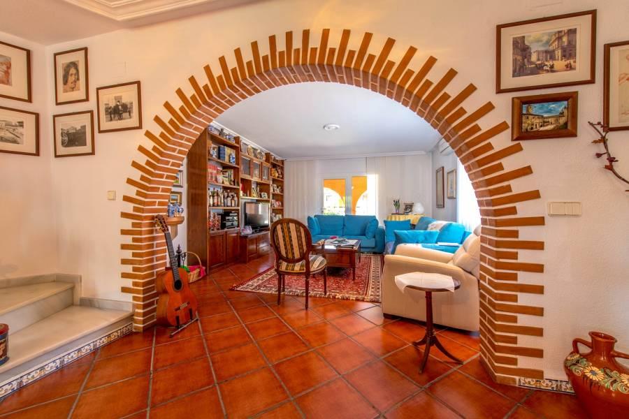 Torrevieja,Alicante,España,5 Bedrooms Bedrooms,3 BathroomsBathrooms,Chalets,40034