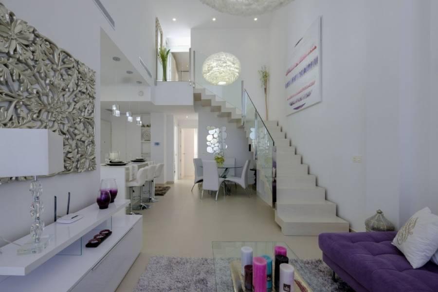 Torrevieja,Alicante,España,4 Bedrooms Bedrooms,3 BathroomsBathrooms,Chalets,40085