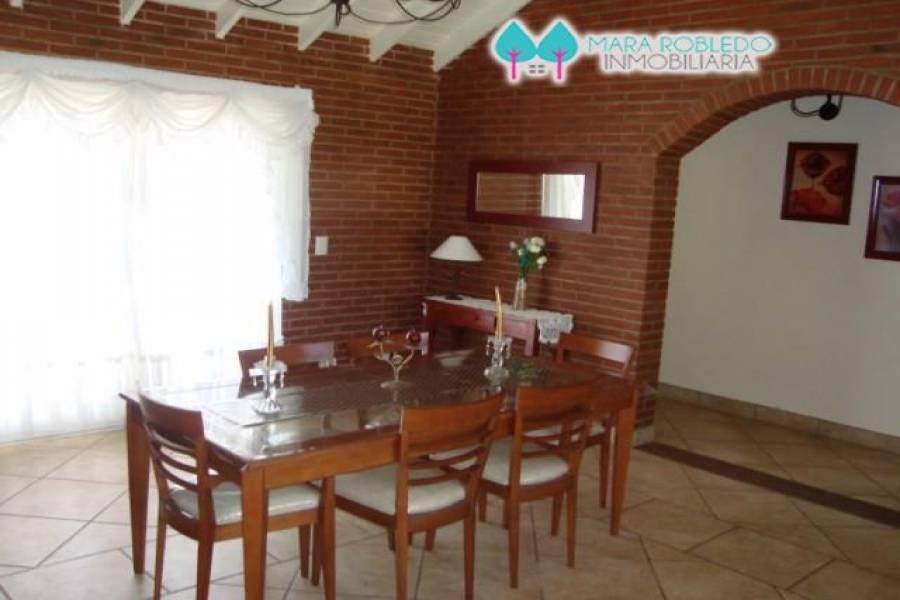 Pinamar,Buenos Aires,Argentina,4 Bedrooms Bedrooms,3 BathroomsBathrooms,Casas,DEL OLIMPO,4454