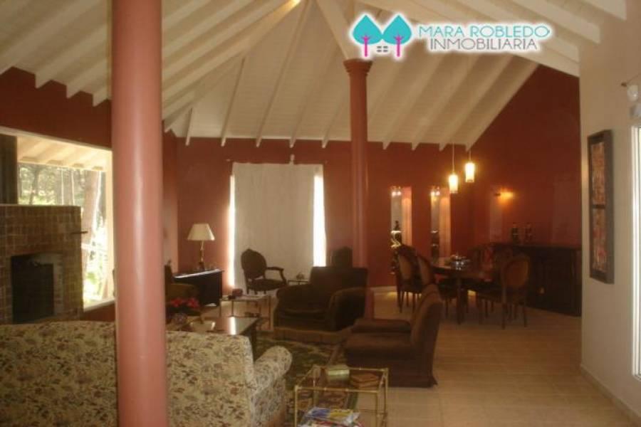 Pinamar,Buenos Aires,Argentina,3 Bedrooms Bedrooms,3 BathroomsBathrooms,Casas,victoria y euridice,4456