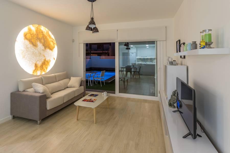 Pilar de la Horadada,Alicante,España,3 Bedrooms Bedrooms,2 BathroomsBathrooms,Chalets,40163
