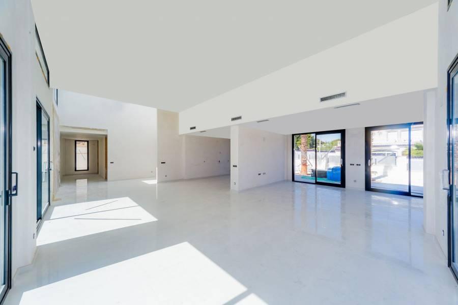 Torrevieja,Alicante,España,4 Bedrooms Bedrooms,4 BathroomsBathrooms,Chalets,40180