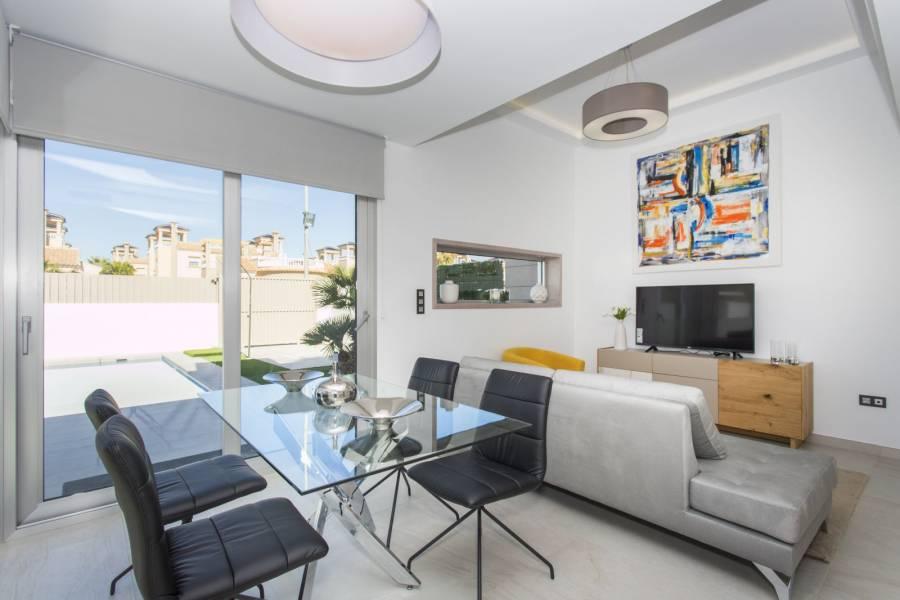 Guardamar del Segura,Alicante,España,3 Bedrooms Bedrooms,2 BathroomsBathrooms,Chalets,40184